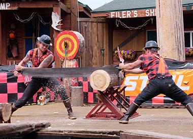 Spectacle Les Grands Explorateurs: ALASKA, terre de tous les possibles présenté au Carré 150  de Victoriaville