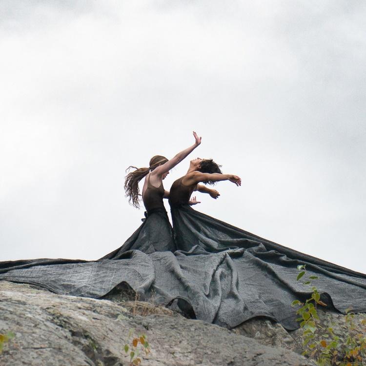 Spectacle Fleuve | Espace | Danse: RÉSONANCES | À la Place Ste-Victoire présenté au Carré 150  de Victoriaville
