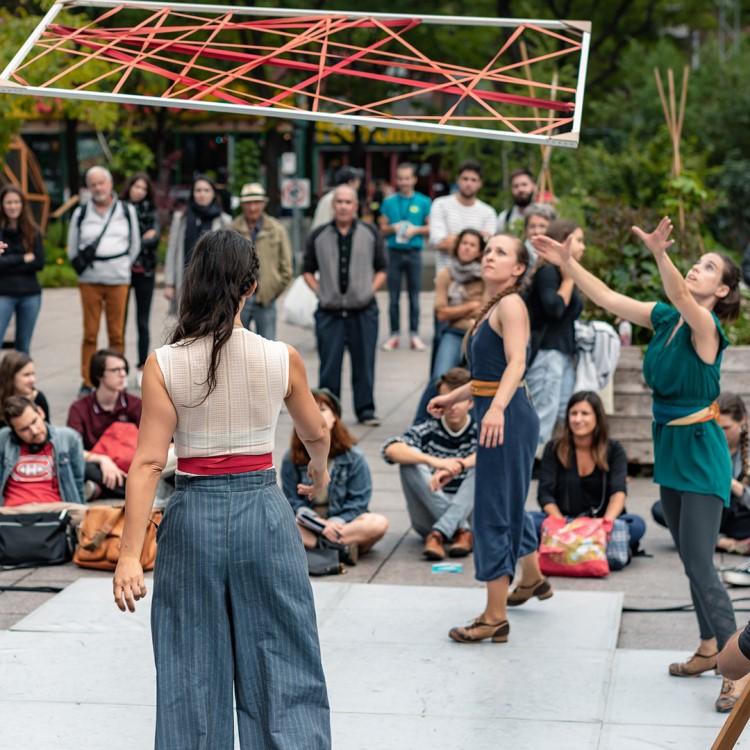 Spectacle Zeugma Danse: RÉSONANCES | Sur le parvis du Carré 150 présenté au Carré 150  de Victoriaville